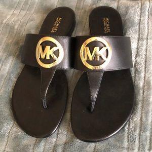 MICHAEL Michael Kors - Black and gold sandal